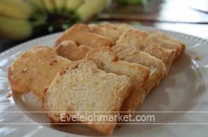 สูตรและวิธีทำขนมปังกรอบอบเนยน้ำตาล
